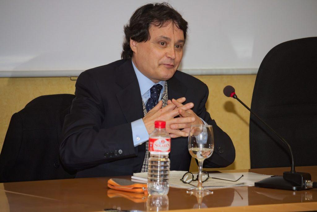 Jordi Garcés Ferrer Catedrático de Universidad en la Universitat de València y Catedrático Príncipe de Asturias en la Georgetown University de Washington DC