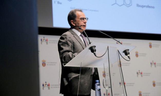 """Avelino Corma: """"Las empresas tienen que contratar doctores"""""""