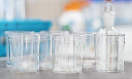 Un estudio confirma la seguridad alimentaria de vasos de policarbonato